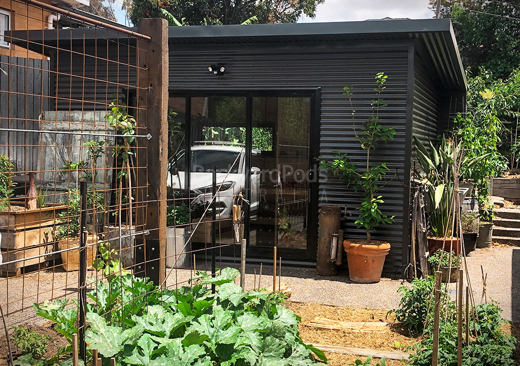 Garden office pod 3m x 6m with Eaves and blade walls in Strathmore, VIC