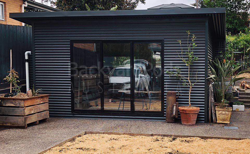 Home office pod 'garden office' with eaves and blade walls in Strathmore, VIC