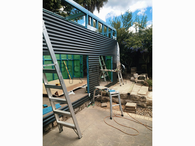 Gorgeous flat pack 'garden studio' 3m x 6m nestled poolside in village of Blue Mountains NSW